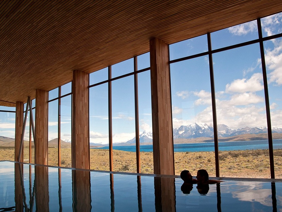 """""""Top 10 Hotel Spas for Athletes"""""""