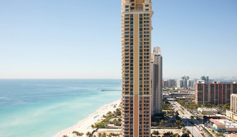 5.Top 10 Design Hotels in Miami Acqualina Resort & Spa