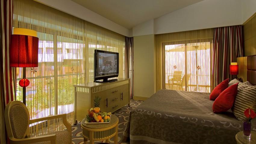luxury-hotels-magnificent-architecture-of-cornelia-diamond-6