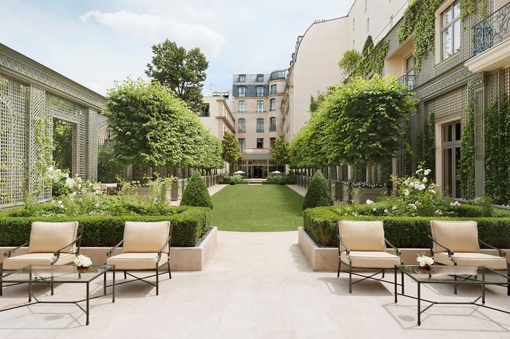 Luxury Hotels: The Art of Entertaining at Ritz Paris Luxury Hotels Luxury Hotels: The Art of Entertaining at Ritz Paris Luxury Hotels The Art of Entertaining at Ritz Paris 2