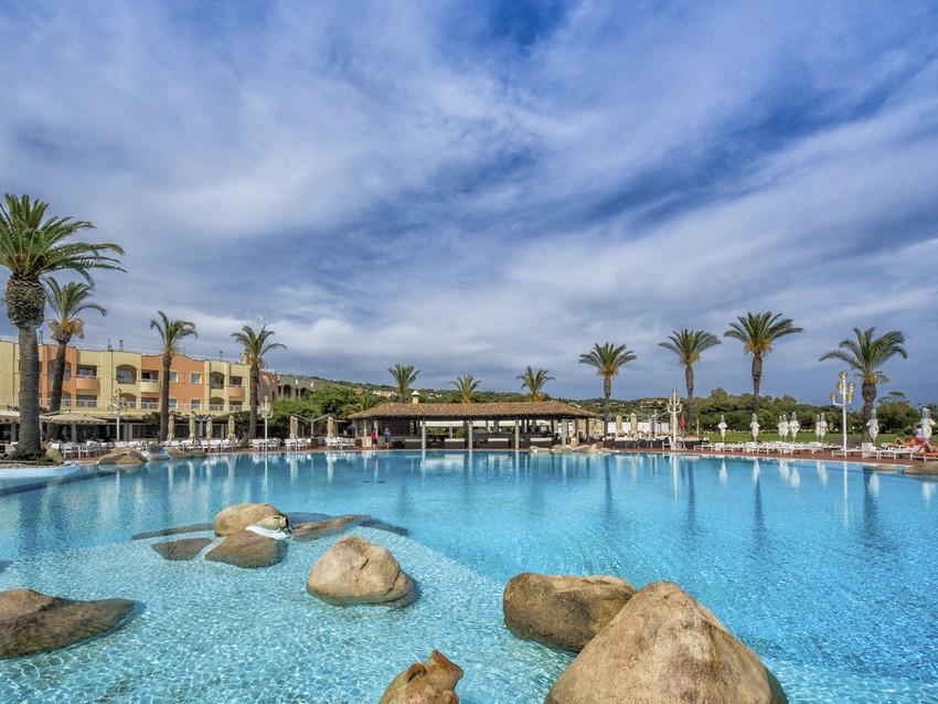 http://www.accorhotels.com/3040 luxury hotel Luxury Hotel: 5-star Pullman Timi Ama Sardegna Luxury Hotel 5 star Pullman Timi Ama Sardegna 8