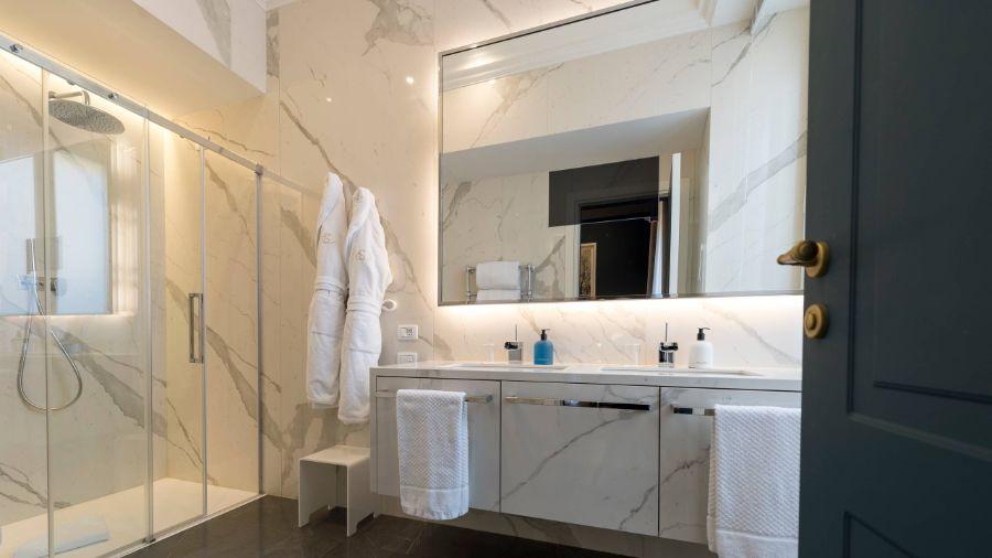 Elizabeth Unique Hotel Rome, A Sophisticated & Modern Interior Design