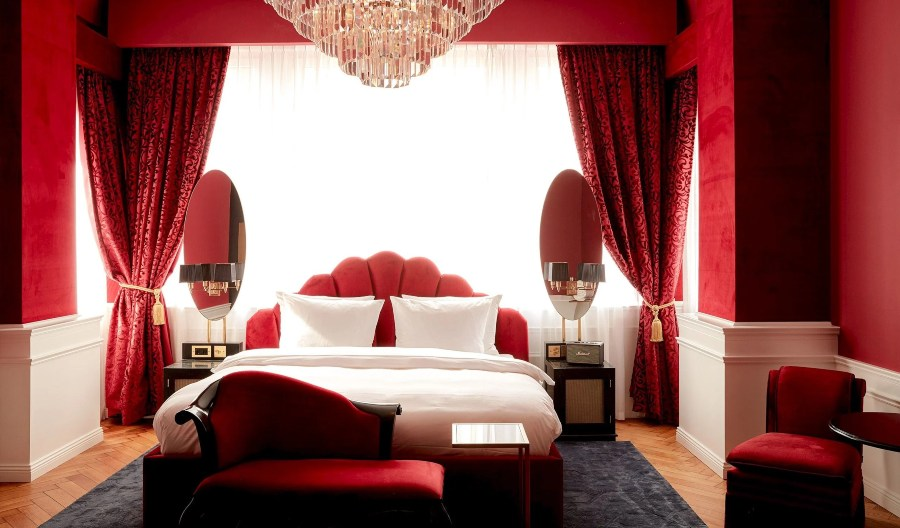 Provocateur Hotel, the Burlesque 1920s Interior Design in Berlin